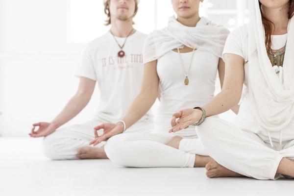 Une séance de Kundalini Yoga