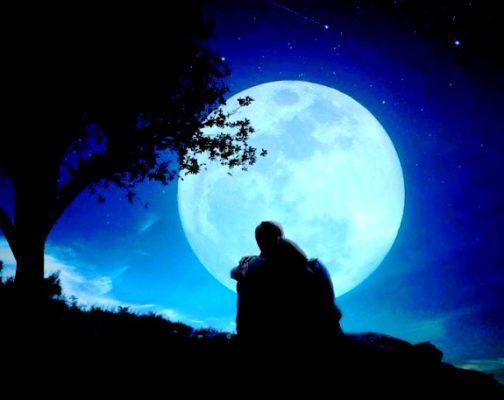 union du Féminin et du Masculin sacrés sous la lune